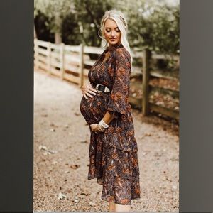ISO Scoop Printed Maxi Tiered Dress w/ Long Sleeve